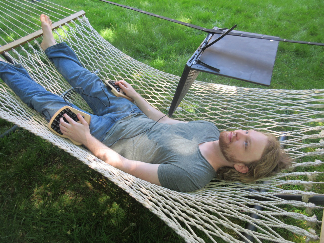 Using a computer ergonomically in a hammock, via external split keyboard and computer suspended above head